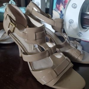 Nine West 2in tan heels.